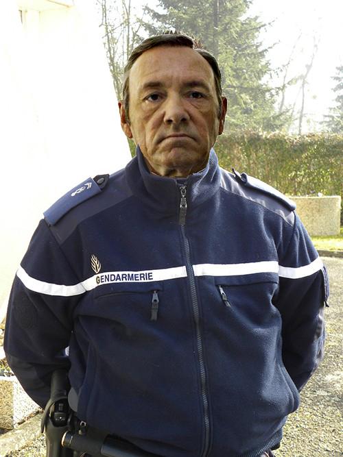 frank_underwood_gendarme.jpg