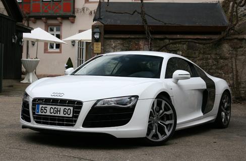 S1-Audi-R8-V10-recu-10-36375.jpg
